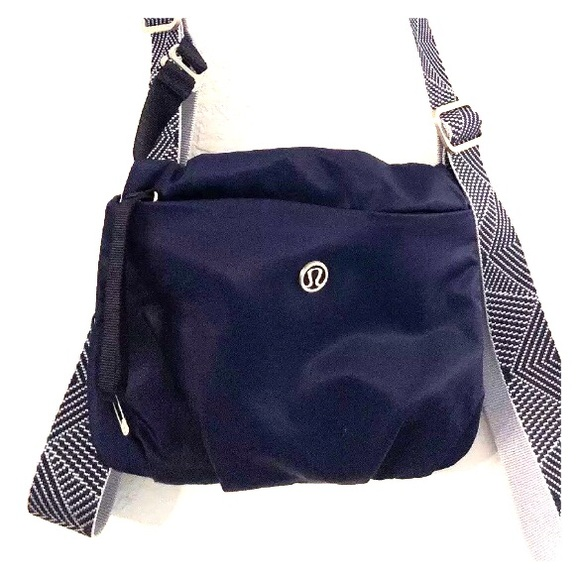 a75ce7a4866 lululemon athletica Bags | Lululemon Essential Bag | Poshmark